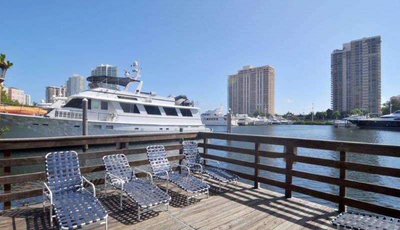 yacht_club_7-103_105
